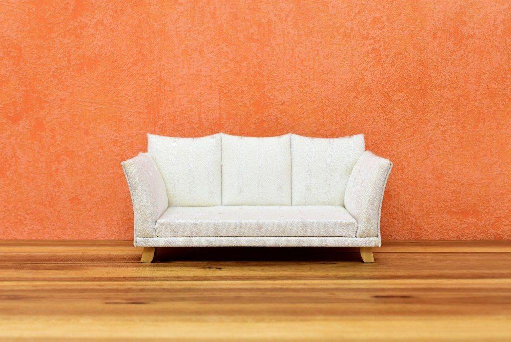 Sofa w stylu retro - wnętrze w stylu retro